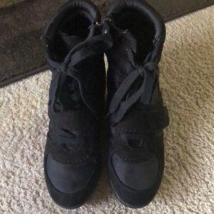 Simply Vera heeled sneakers